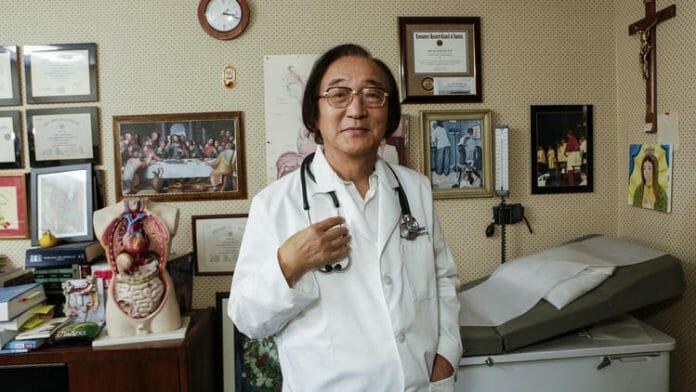 Jaedong Kim, Um Gastroenterologista E Diácono Católico, Surgiu Com A Ideia De Um Evento De Conectar Os Pais Com Filhos Solteiros, Há Seis Anos, Quando Casou O Último De Seus Quatro Filhos.