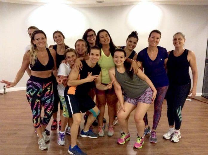 A Turma De Zumba Do Professor Gregory Barganian Na The One Fitness Club