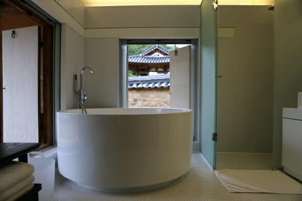 Banheiros Novos.