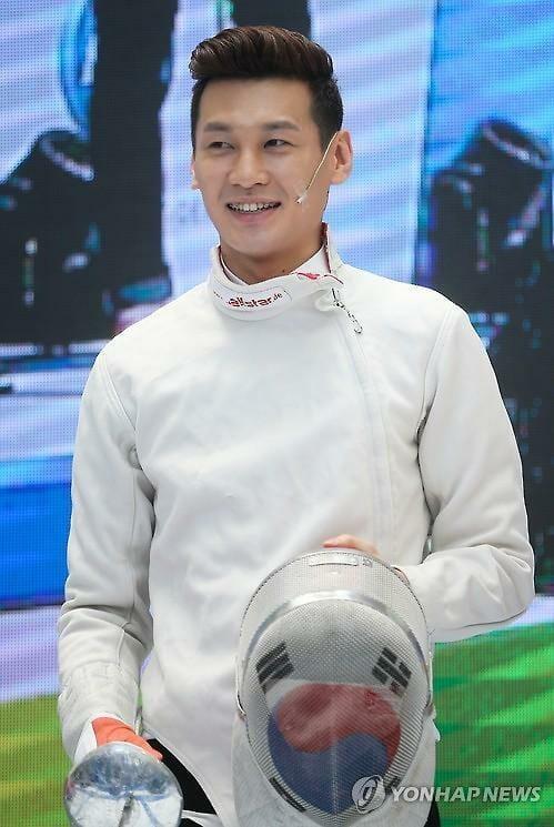 O Esgrimista Gu Bongil. Foto: Yonhap News