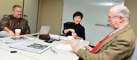 Jung Ha-Yun E Outros Professores. Fonte: Korea Times