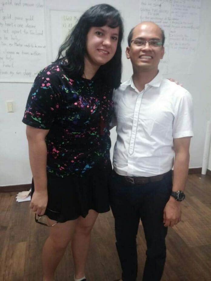Eu E O Pastor Tito, Que É Filipino.
