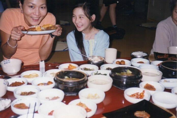 Michelle Em Seul Com A Mãe, Chong Mi. Foto: Arquivo Pessoal
