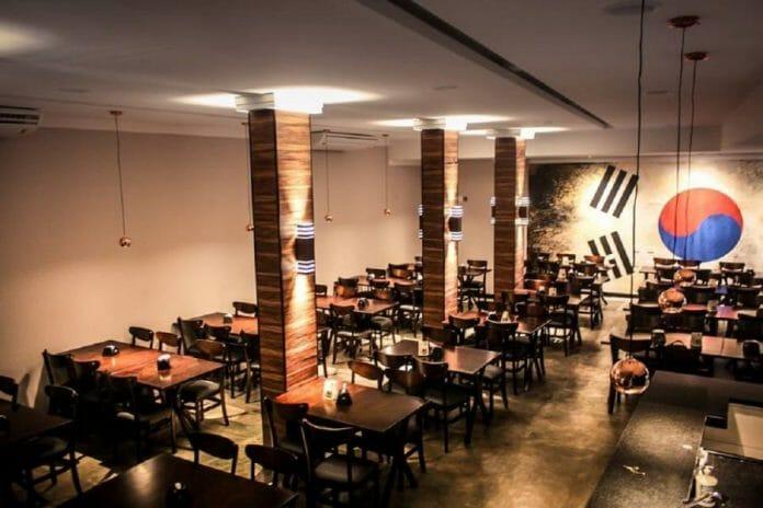 O Interior Do Restaurante E Sua Iluminação Convidativa. Foto: O Koreano