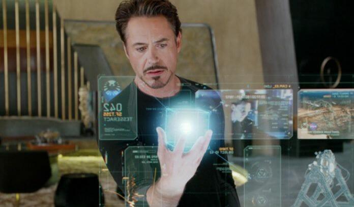 Cena Do Filme &Quot;Iron Man&Quot; Em Que O Personagem Principal &Quot;Interage&Quot; Com Uma Holografia. Foto: Google Images