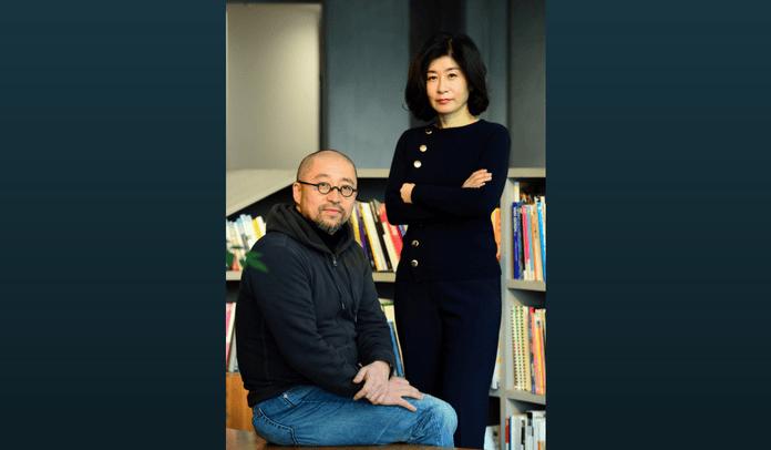 Diretor Yoon Sang-Ho (Esquerda) E Escritora Park Eun-Ryeong De &Quot;Saimdang, Memoir Of Color&Quot;.