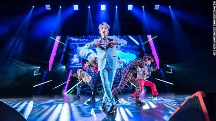 Key, Do Grupo Shinee, Cantando Em Dallas. Foto: Cnn