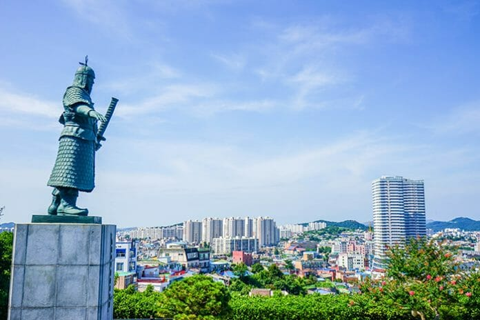 Estátua Do Admirável Yi Sun-Shin / Foto: Visit Korea