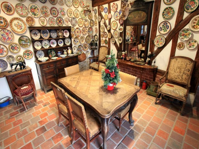 Um Dos Ambientes Da Casa Tradicional Francesa / Foto: Petit France Official Site