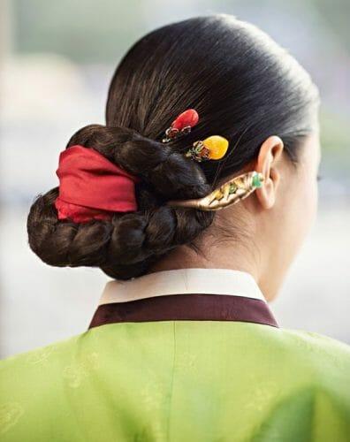 Binyeo, O Estilo De Cabelo Tradicional Para Mulheres Na Coreia. Foto: Pinterest