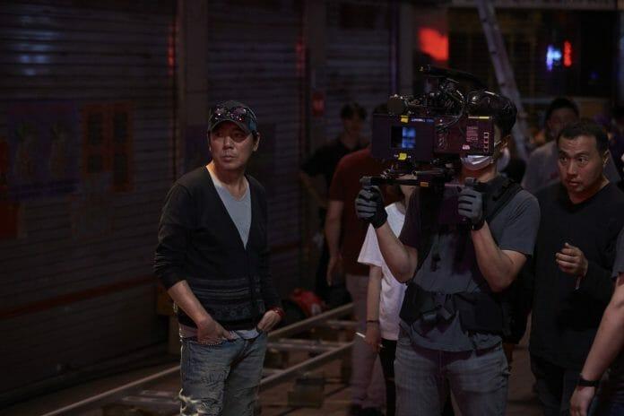 """Kim Jee-Woon No Set De Filmagem De &Quot;Illang: The Wolf Brigade"""". Foto: Twitter."""