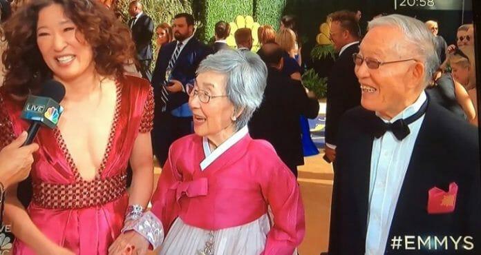 Sandra Oh Com Os Pais Na Premição Do Emmy 2018. Foto: Nextshark.
