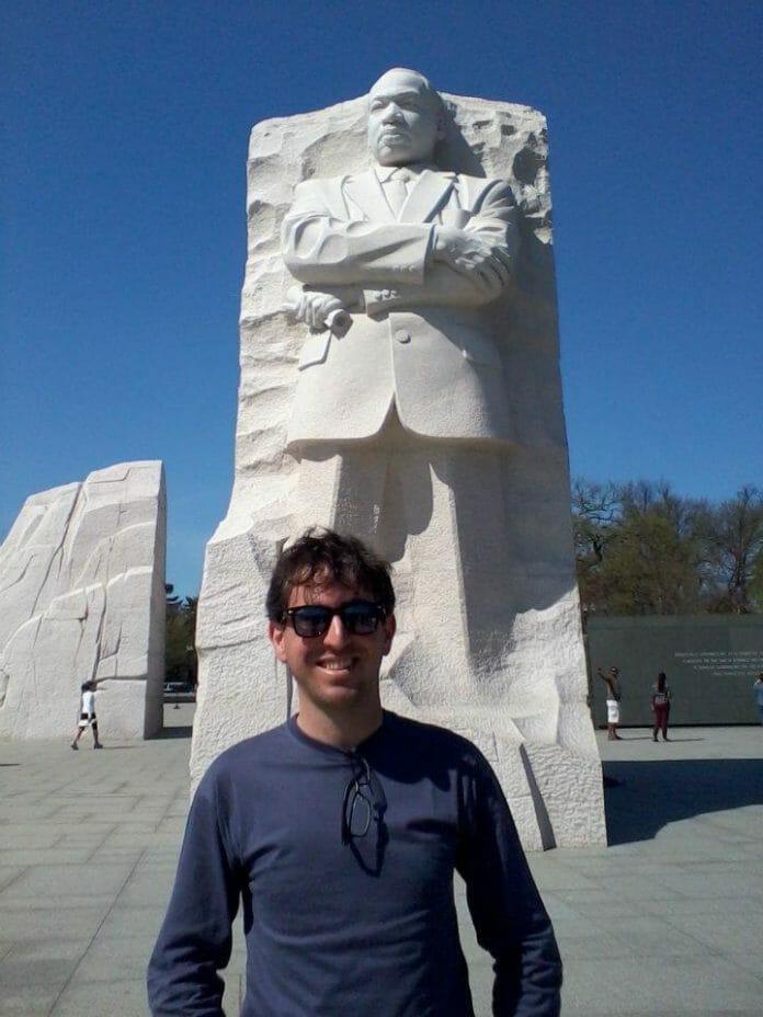 Viajando Pelos Estados Unidos Para Arrecadar Fundos Para O Projeto Da África. Em Washington. Foto: Arquivo Pessoal.