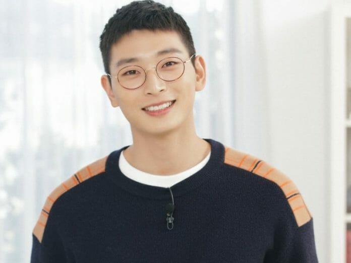 Artistas Coreanos Que Se Alistam Em Março