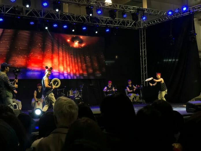 O Mix De Percussão Coreana Tradicional Com A Cultura De Rua Do Jin Myung