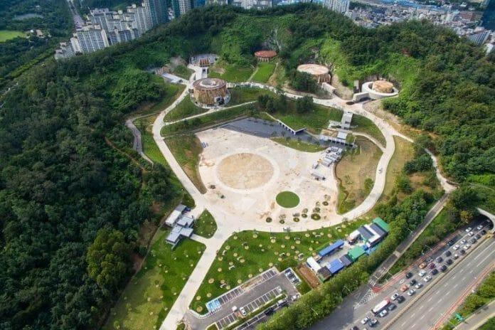 Cultura Floresce Em Antigo Depósito De Óleo Em Seul