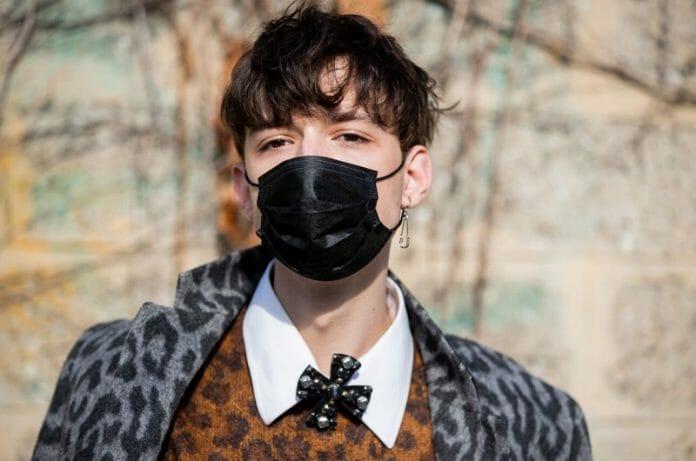 Com A Pandemia, Máscaras Invadem A Moda, Inclusive Fora Da Ásia