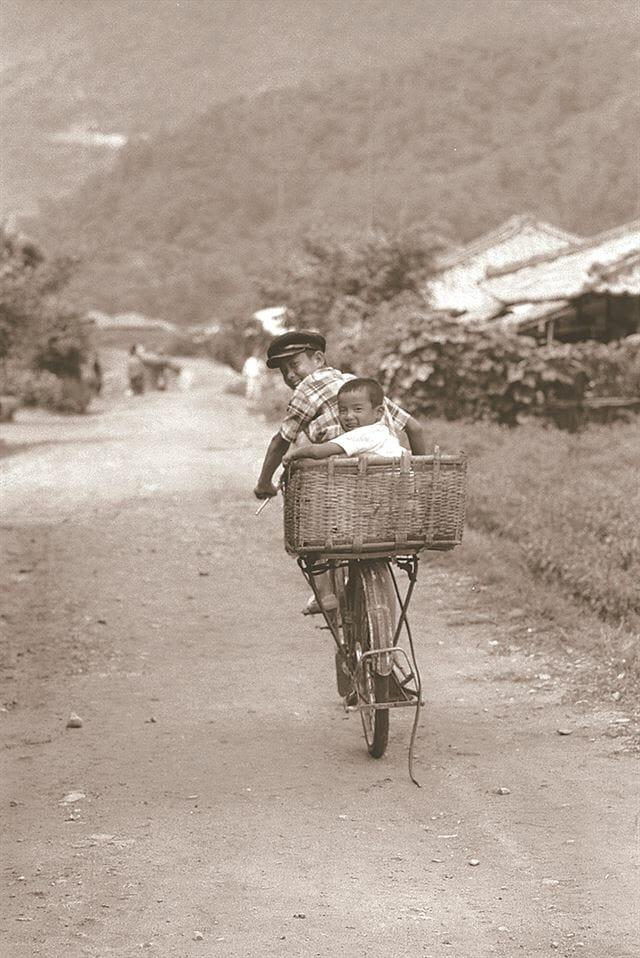 Japonês Que Salvou Famílias Coreanas Lança Livro De Fotografias