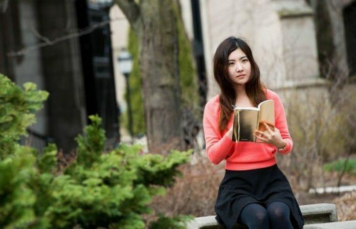 Conectando O Passado E O Presente Através Do Olhar De Uma Imigrante Coreana
