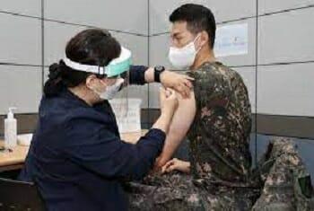 Nas Principais Cidades Da Coreia, Restaurantes Fecham Mais Cedo, Mas Pessoas Vacinadas Tem Benefícios